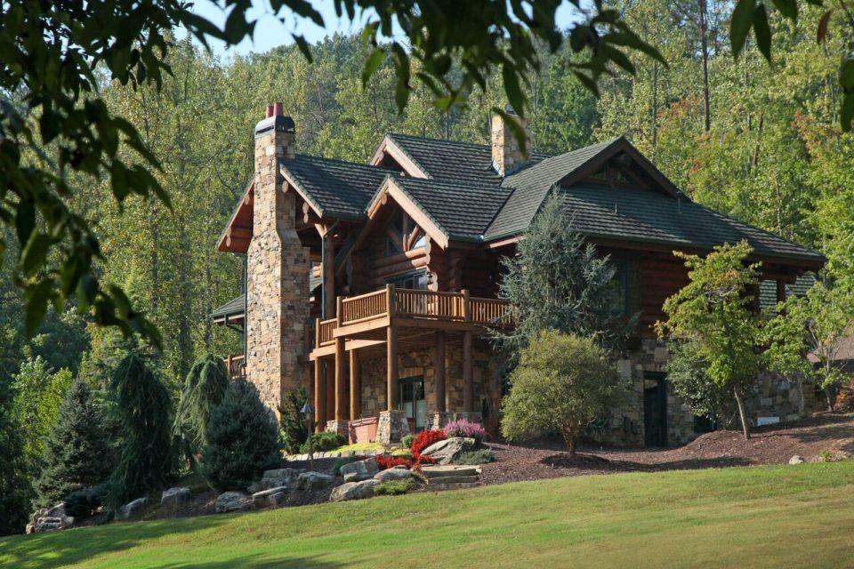 Log Home Luxury